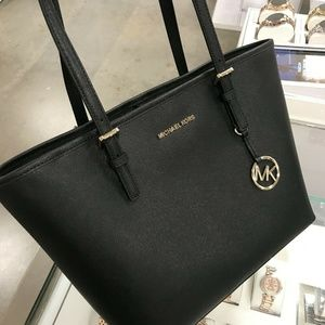 Michael Kors Jet Set Travel MD Black Leather Clas